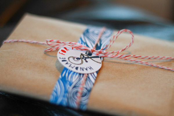 Cute gift wrapping from fairivy monthly subscription gifts for women
