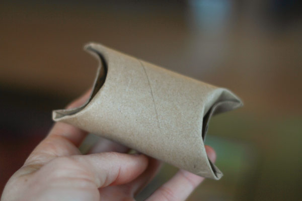 DIY Inexpensive Gift Wrap (aka Toilet Paper Roll Pillow Box)