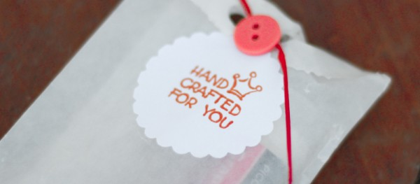 Creative gift wrapping from Fairivy.com