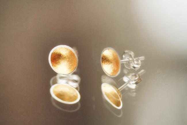 gold-leafed-earrings