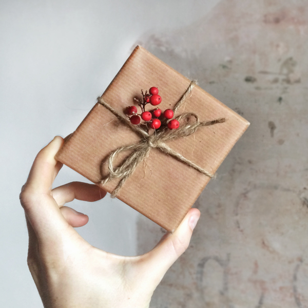 How to wrap a gift (and specifically, how to wrap a christmas gift!)